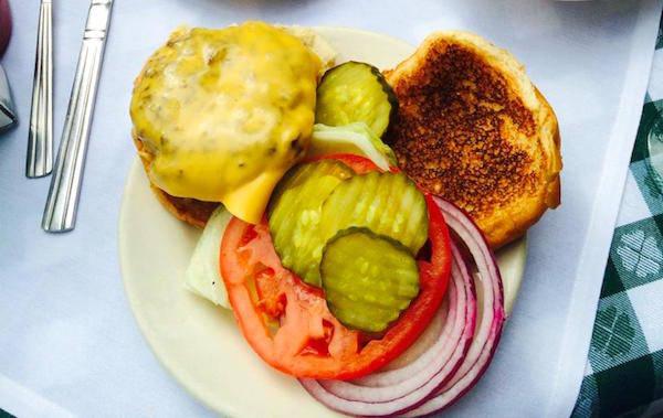 J.G. Melon – The Classic Burger
